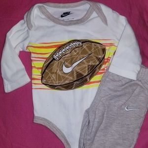 Infant Nike Outfit (Boy)